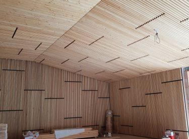 Montaz drevenych obkladov a podhladov 24